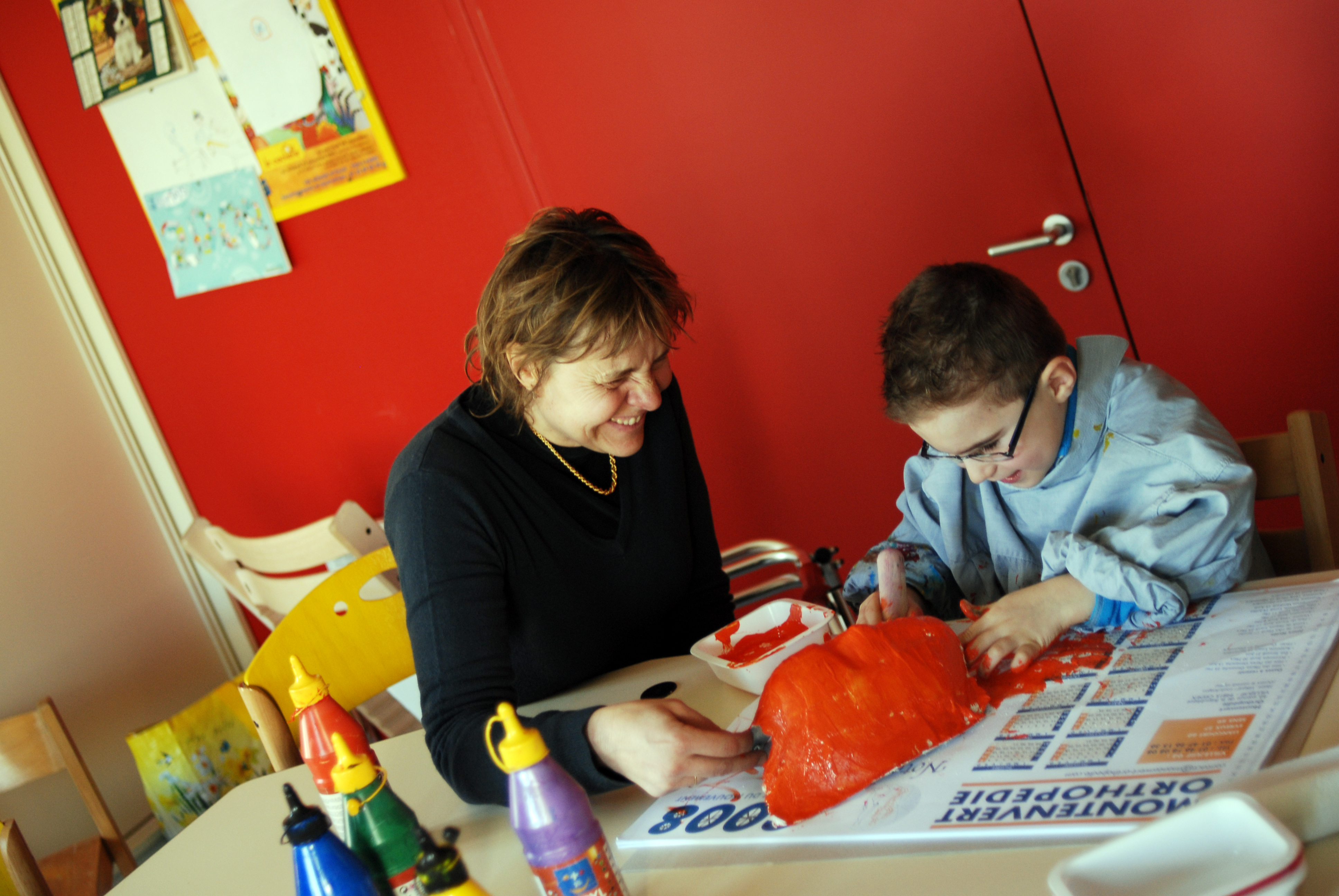 enfants handicap s les oubli s de l aide domicile selon l enseigne hand o faire face. Black Bedroom Furniture Sets. Home Design Ideas