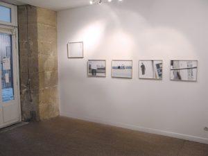 exposition Flora Coll Paris accrochage abaisse de 45 cm