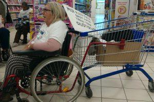 L'attelage caddie-fauteuil roulant