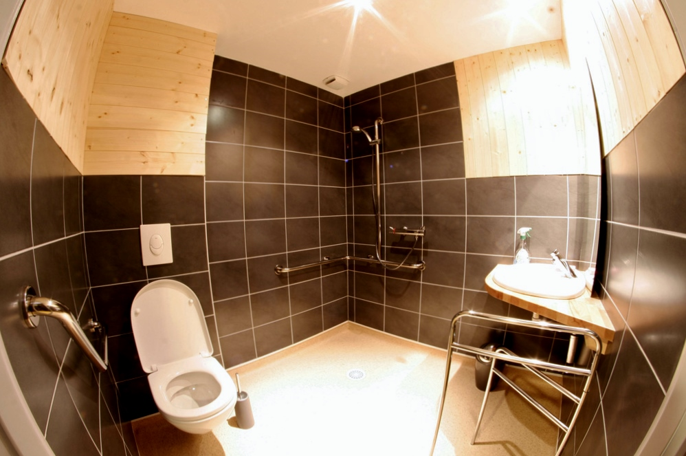 la montagne en toute accessibilit au refuge du sotr. Black Bedroom Furniture Sets. Home Design Ideas