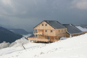 Refuge du Sotre sous la neige