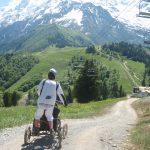 Lors de la saison printemps-été 2014, Jérôme Ballet a accompagné 35 randonnées dans les Alpes grâce à des fauteuils tout terrain.