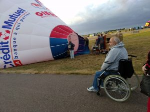 Jeudi 30 juillet, Rémi Hurel a pris place à bord de la seule nacelle accessible du Mondial Air Ballon, celle de l'association alsacienne Libres ballons du Bastber. © DR