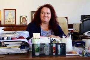 Face aux critiques, Albena Atanasova, conseillère municipale aux Affaires sociales à la mairie de Sofia elle-même en fauteuil roulant, répond : « Il y a toujours des gens qui sont contents et d'autres qui ne le sont pas. » © Léonor Lumineau