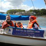 Gilles Le Druillennec, Bohème et sa maman Bérengère, à bord de La Mouette Rieuse.  © DR