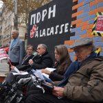 Face au ministère des Affaires sociales à Paris, mobilisation pour dire non au démantèlement des MDPH, mercredi 14 octobre. © DR