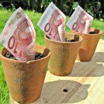 Un travailleur célibataire percevra la prime d'activité si ses ressources (revenus professionnels + AAH) sont inférieurs à 1,3 fois le Smic net. ©TaxRebate.org.uk