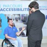 Avec son parcours accessibilité itinérant, la Banque populaire souhaite sensibiliser ses partenaires aux difficultés des personnes à mobilité réduite. © Banque populaire-Ethik Event