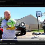 La vidéo du tireur à l'arc professionnel américain Matthew Stutzman, sans bras, fait le buzz sur Facebook.