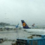 Les compagnies aériennes auront toujours le droit d'imposer la présence d'un accompagnateur lorsqu'elles estiment que les exigences de sécurité l'imposent.