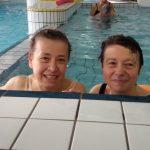 Céline et Raymonde, salariées d'ABS, lors d'une séance à la piscine de Vitré. © DR