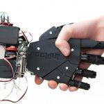 L'impression 3D permet de réaliser, à la fois, des prothèses sur mesure et financièrement abordables. © Bionicohand