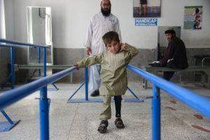 Autonomie retrouvée pour Sayed © Jaweed Tanveer -Handicap International