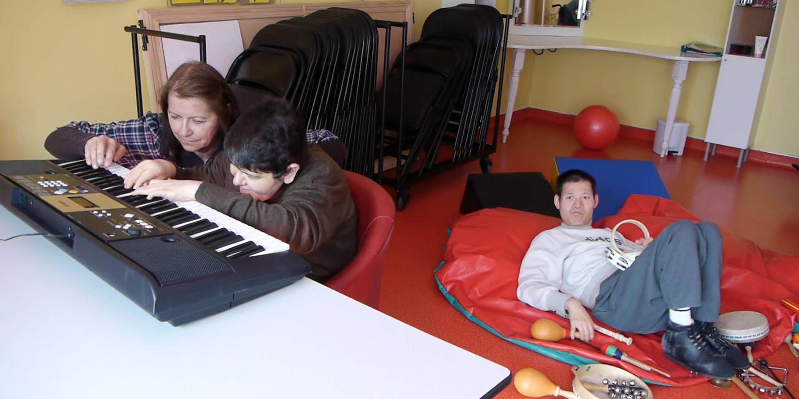 polyhandicap s poly oubli s faire face toute l 39 actualit du handicap moteur. Black Bedroom Furniture Sets. Home Design Ideas