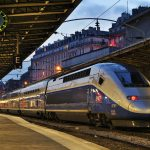 Dans le train, les accompagnateurs pourront bénéficier des avantages tarifaires consentis par la SNCF.