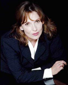 La marraine, Chantal Lauby, assistera à la projection des films primés, à Paris.