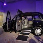 Le nouveau taxi du constructeur anglais LTC allie motorisation électrique et accessibilité totale. © LTC