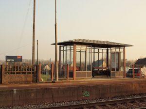 Aucune obligation de mise en accessibilité ou de mesure de substitution ne s'impose aux 1 750 haltes ferroviaires. © François Goglins