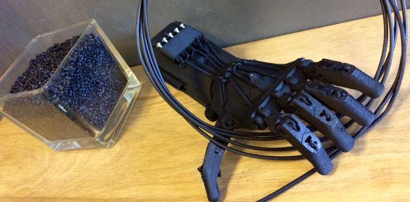 Innovation : quand un gobelet devient une prothèse