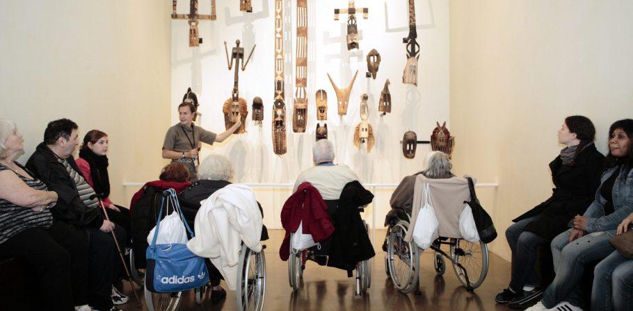 MQB. Visite spécifique pour personnes en situation d'handicap. 17 octobre 2012.